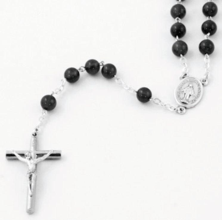 Chapelet sur chaine argentée, perle en Agate Noire  ronde de 6mm